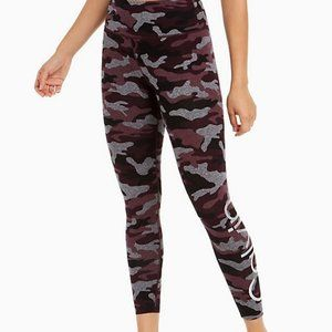 PERFORMANCE HIGH RISE CAMO PRINT LOGO 7/8 LEGGINGS